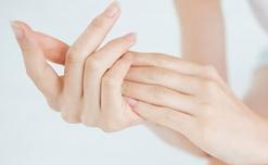 5 Bí quyết làm đôi bàn tay luôn trắng sạch và mịn màng
