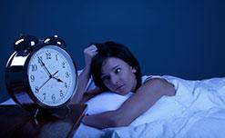 Trước khi ngủ, bạn nên cẩn thận tránh 4 sai lầm này