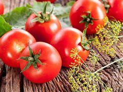 Mẹo thổi bay mụn với cà chua